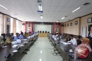 Rapat Pansus Pertambangan dengan Perusahaan