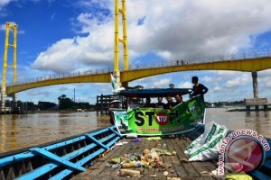 KAMMI Kutai Kartanegara Gelar Aksi Bersih Sungai