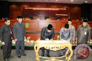 Pemkab-DPRD Penajam Bahas Ulang APBD 2017