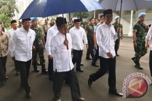 Presiden-Wapres Menuju Silang Monas
