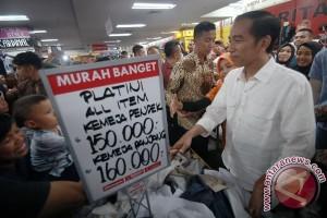 Presiden Blusukan di Mal E-Walk Balikpapan