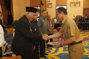 Gubernur Kaltim Serahkan DIPA Rp18,3 Triliun