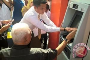 Gubernur Kaltim Resmikan ATM