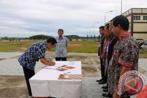 Pegawai Bappeda Paser Tanda Tangani Pakta Integritas
