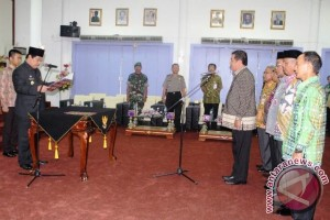 Bupati Paser Rotasi Enam Pejabat Eselon Dua
