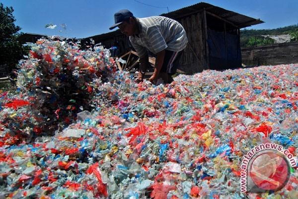 Indonesia Pelajari Daur Ulang Sampah Plastik India