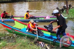 Mahasiswa Unmul Kembali Rawat Sungai Karang Mumus