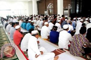 Bupati-Wabup Penajam Shalat Idul Fitri di Masjid Agung