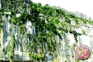 Pemkab Mahakam Ulu Tambah Fasilitas Wisata Batu Dinding