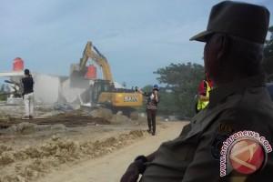 Gubernur Bongkar Kebun Binatang Di Jalur Tol