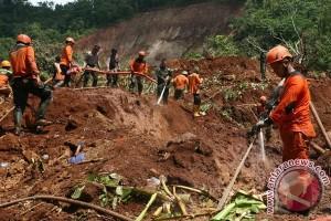 Lima Korban Tanah Longsor Mahakam Ulu Ditemukan
