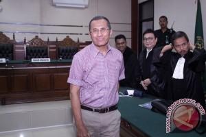 Dahlan Iskan Divonis Dua Tahun Penjara