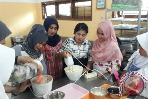 BNNK Samarinda Beri Keterampilan Wirausaha Ibu Rumah Tangga