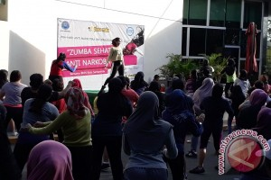 BNNK Samarinda Dekati Ibu Rumah Tangga Lewat Senam Zumba