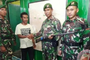 Prajurit Perbatasan Kembali Terima Senjata Api Rakitan