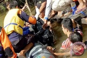 Andrian Ditemukan Meninggal di Karang Mumus