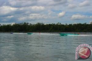 Masyarakat Pesisir Paser Gelar Balapan Perahu Tradisional