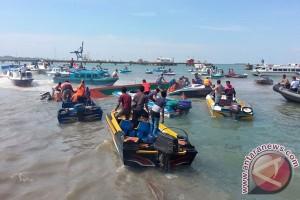 Speedboat Terbalik
