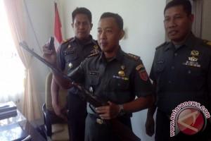Dua Warga Penajam Serahkan Senjata Rakitan ke Kodim