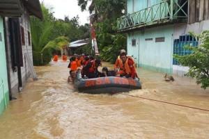 Tiga Orang Dievakuasi saat Banjir Kepung Balikpapan