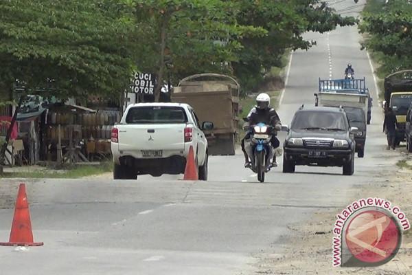Infrastruktur jalan di Penajam dinilai tidak layak