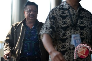 KPK Bawa Dua Koper Berkas dari Penggeledahan DPRD Banjarmasin