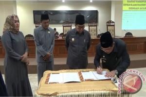 DPRD Paser Minta Pemkab Tunda Rekrut Honorer