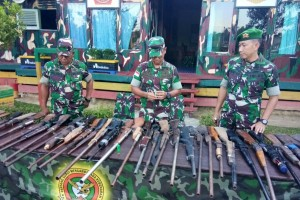 Prajurit Perbatasan Amankan 77 Senjata Api Rakitan