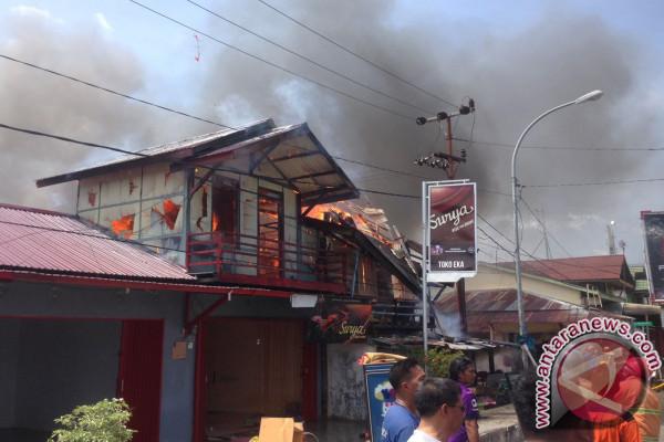 Kebakaran Hanguskan Sembilan Bangunan di Penajam