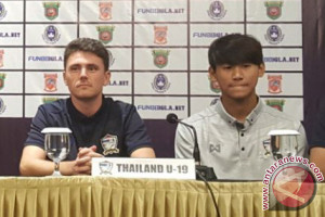 Pelatih Thailand Tak Kecewa Kalah dari Borneo