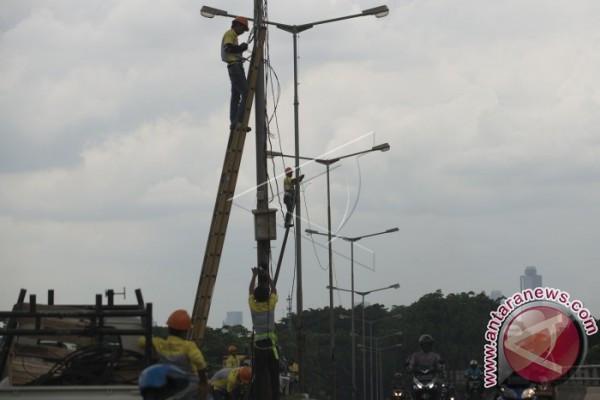 Pemkab Diminta Pasang Lampu Penerangan Jembatan Lawe-Lawe
