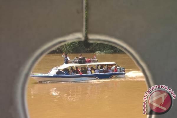 Angkutan Sungai Jadi Andalan