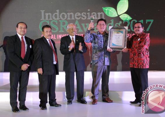 Kideco Raih Grand Platinum dan CEO Terbaik CSR Award 2017