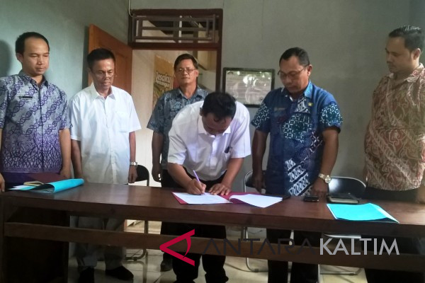 Tenaga Teknis Gerbangmas Mahulu Tanda Tangani Kontrak
