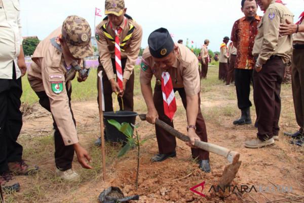 Pramuka Paser tanam 1.000 bibit pohon