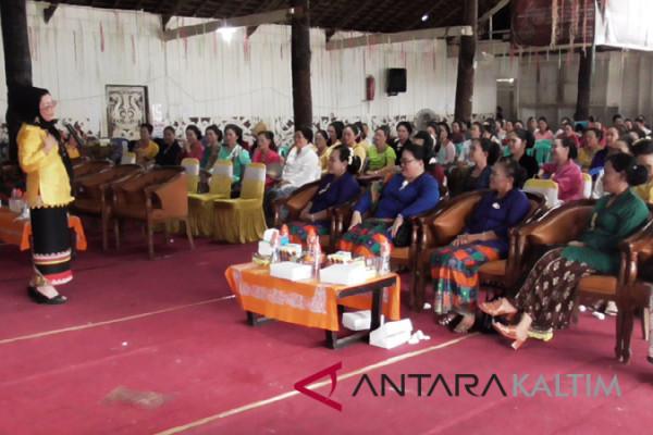 Nora Suzuki ajak Kartini Mahulu berpribadi cantik