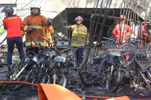 Bom di Surabaya
