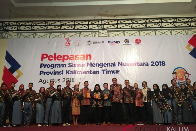 Sekdaprov Kaltim lepas peserta SMN ke Bali