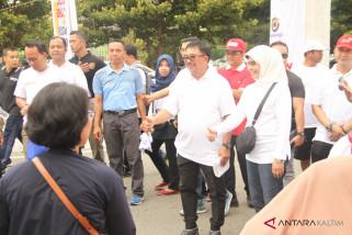 Ribuan warga ikuti jalan sehat BUMN Hadir di balikpapan