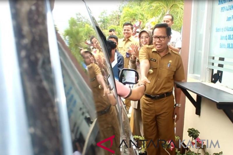 "Samsat Penajam buka layanan ""drive thru"""