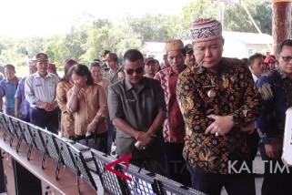 Bupati resmikan pembangunan kampung senilai Rp18,9 miliar
