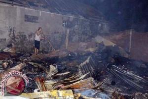 Kebakaran Hanguskan Puluhan Rumah di Makassar