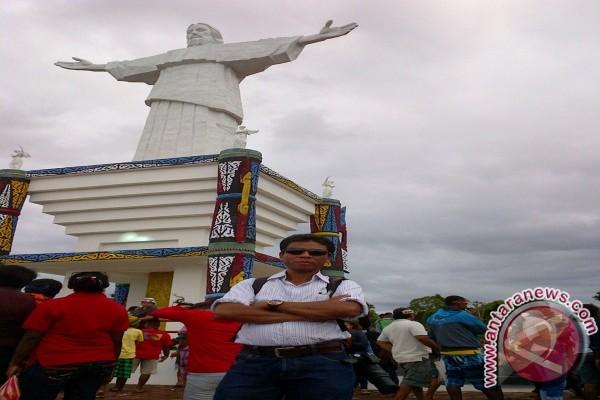 Patung Kristus di Mansinam