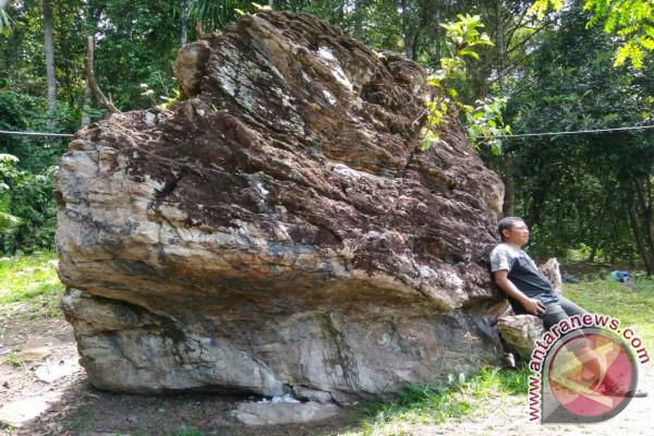 Mendaki di Bukit Peradaban Teluk Wondama