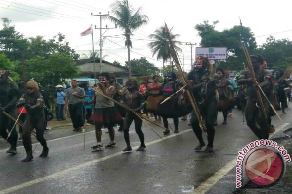 Dua Grup Kesenian Wondama Tampil di Jakarta