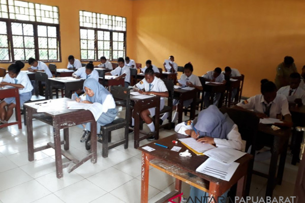 Teluk Wondama Berkomitmen Wujudkan Sekolah Bebas Biaya