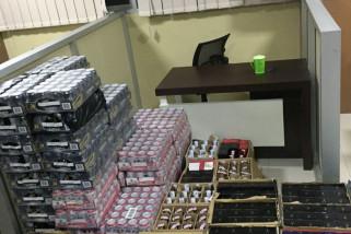 Polisi Sita Ribuan Botol Miras Tempat Hiburan Manokwari