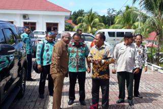 Gubernur Ingin Huntap Korban Banjir Wondama Segera Bersertifikat