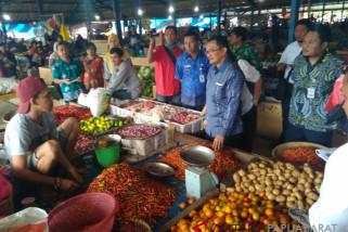 Pekan Kedua Ramadhan Harga Bapok di Wondama Relatif Stabil