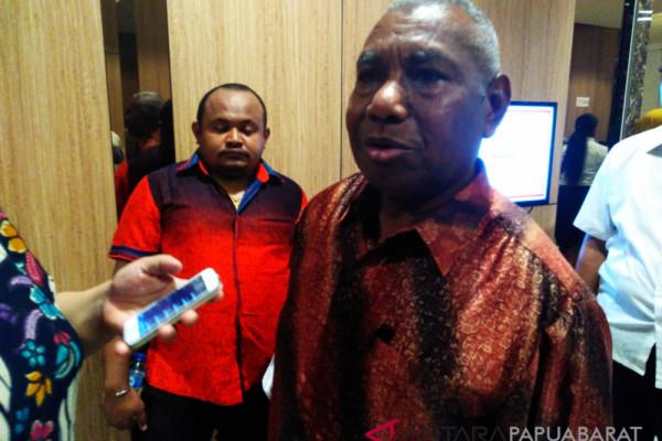 Gubernur Dominggus : Jangan tambah hari libur
